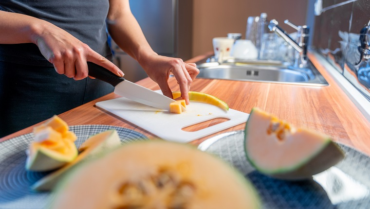 Preparing cantaloupe melon in serving portions
