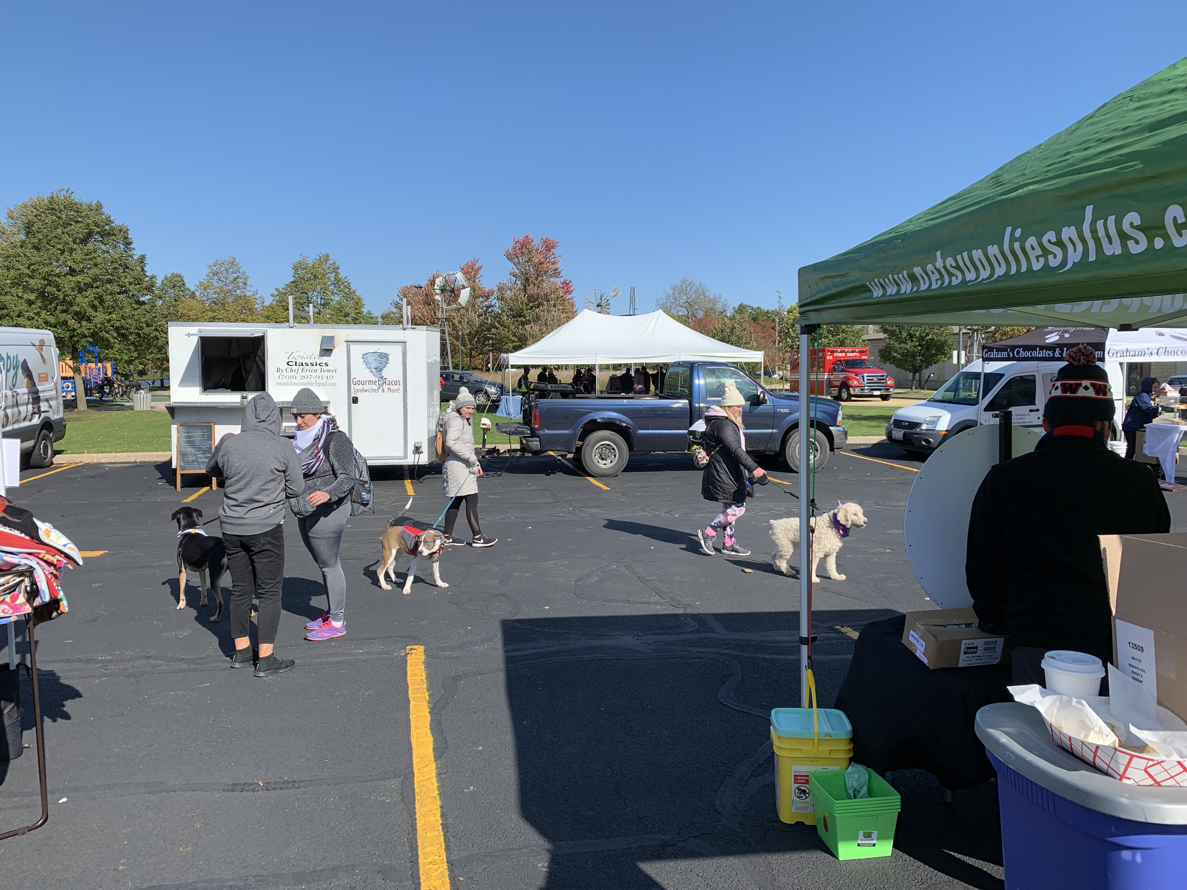 There were lots of vendors with neat items and services for sale, and everyone enjoyed mingling and meeting new dog and human friends.